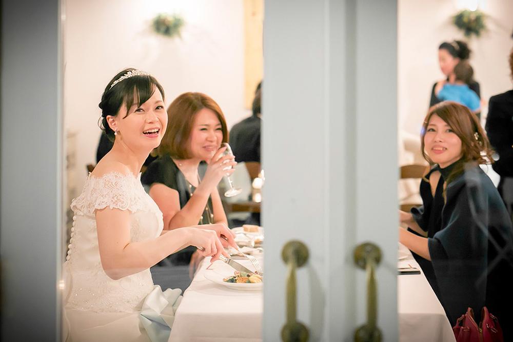 ce9689cb04450 家族や少人数で行う結婚式の魅力とは?|レストランウエディングが素敵な理由