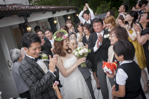 cb32b1a2a000c 知って納得 少人数結婚式と相性の良いウエディングドレスって?